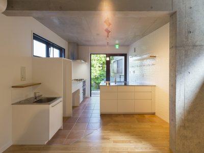 2階キッチンダイニング(共有スペース)