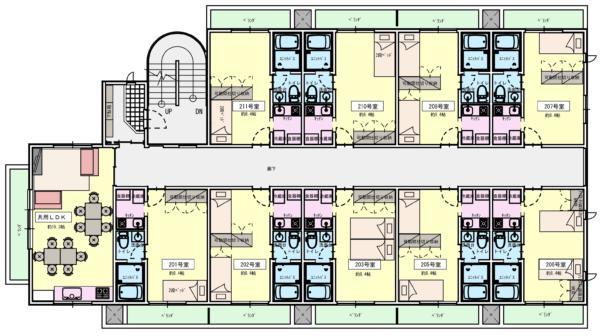 2階:水回り完備の独立型プラン。9世帯で玄関・リビングをシェア。